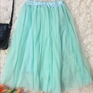 Dresses & Skirts - Tulle skirt size medium